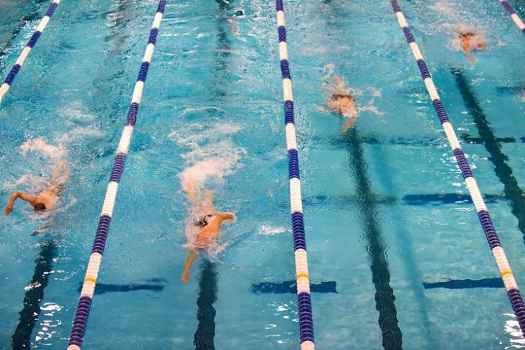 Nuoto a Riccione - Hotel Abner's vicino allo stadio del nuoto